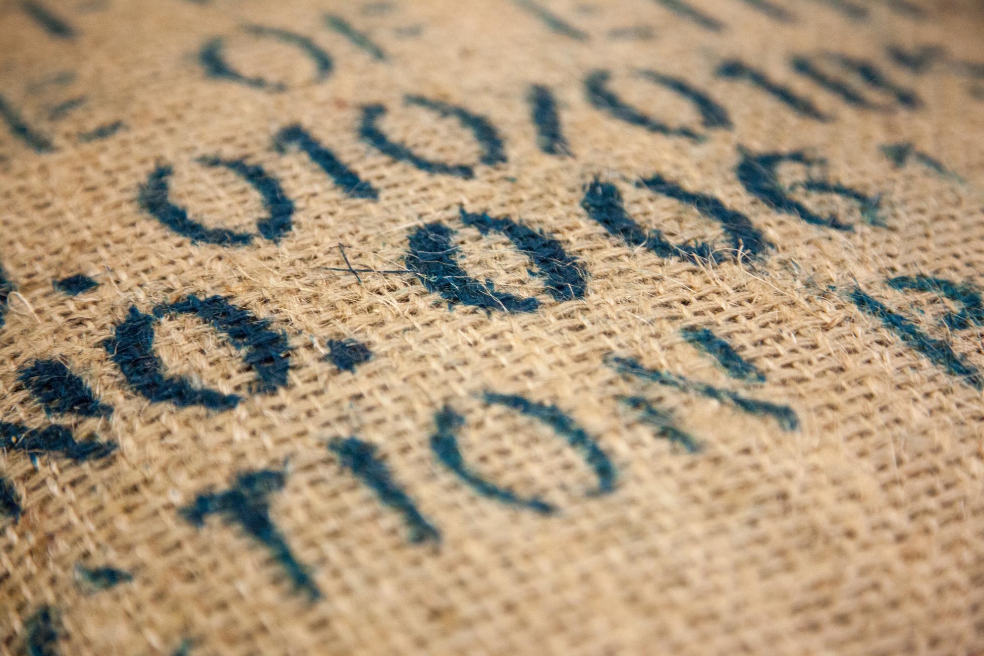 Chaque sac de café porte un code ICO dont le premier chiffre correspond à un code pays.