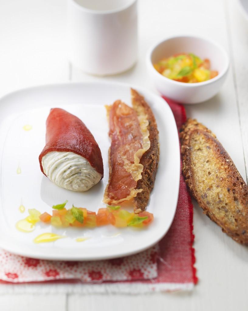 Piquillos-farcis-Tartare-Poivre-&-Fines-Herbes-vierge-tomate