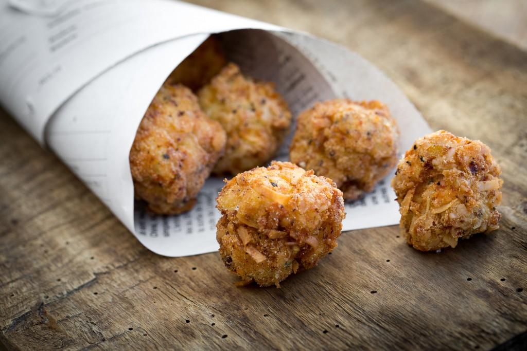Accras de poulets à la noix de coco
