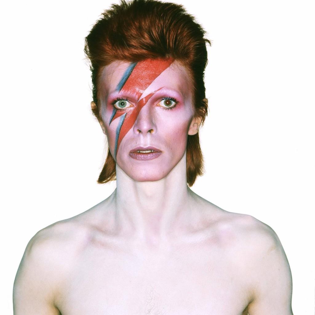 Photographie-pour-la-couverture_-de-l'album-Aladdin-Sane-1973-Photographie-de-Brian-Duffy-©-Duffy-Archive-The-David-Bowie-Archive