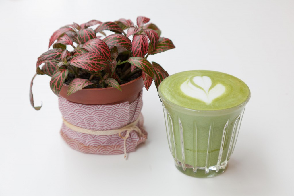 umami-matcha-cafe-tea-the-vert-copyright-maeva-destombes_MG_7576