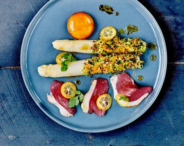 Asperges-des-Sables-des-Landes-en-croute-d-agrumes-jaune-d-oeuf-au-soja