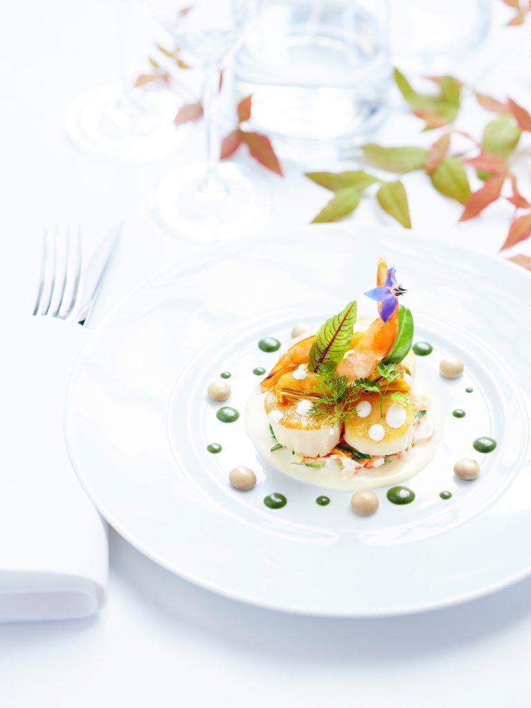 Saint-Jacques-roties-grosses-crevettes-moules-et-champignons-de-Paris-sauce-a-la-creme-Secret-de-creme-President-