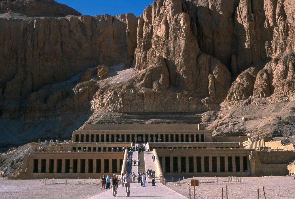 egypte-louxor-louqsor-copyright-maeva-destombes-entrée-deir-el-bahari