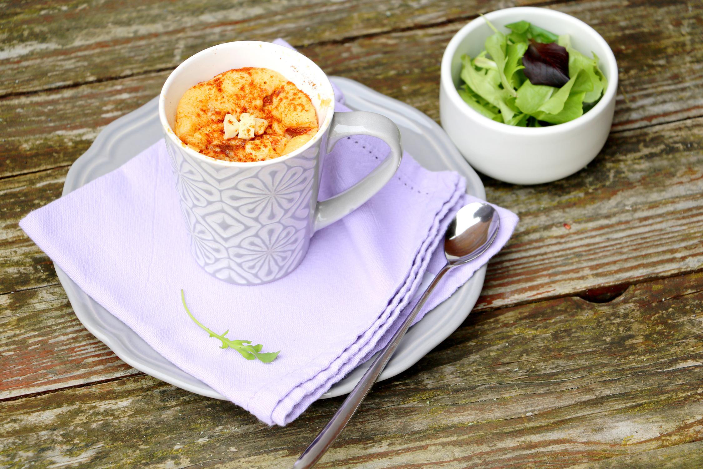 Mug-cake-tomates-sechees-chorizo-societe-creme