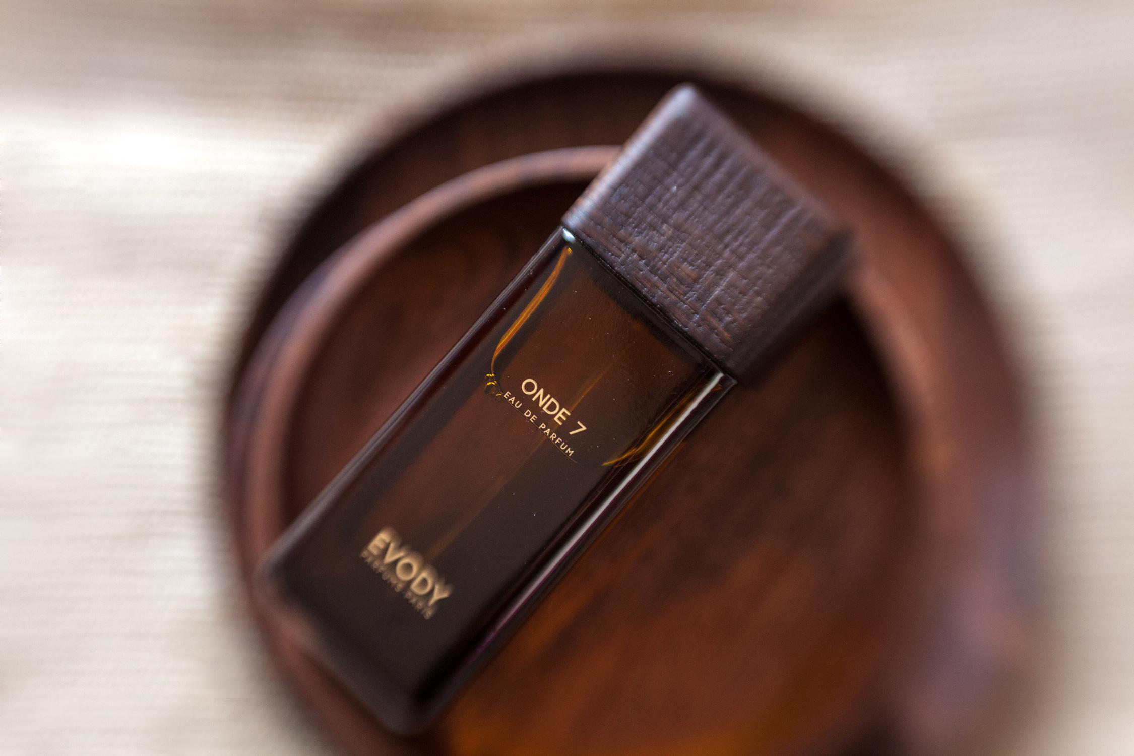 delices-mag-evody-onde7-parfum-niche-voyages-MG_6239-2