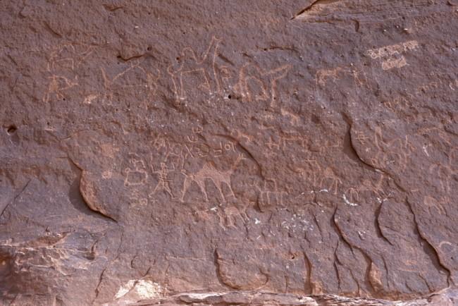 Jordanie. Wadi-Rum. Le dŽsert rouge. Des pŽtroglyphes.