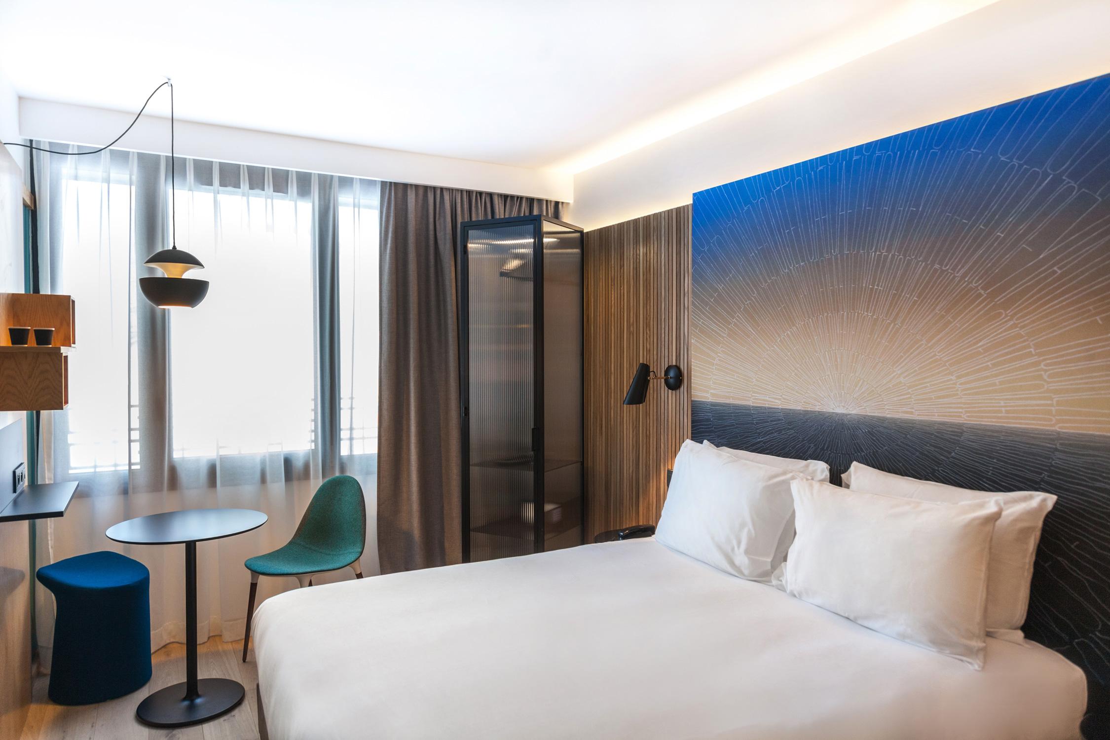 drawing hotel paris le dessin comme toile de fond d lices. Black Bedroom Furniture Sets. Home Design Ideas