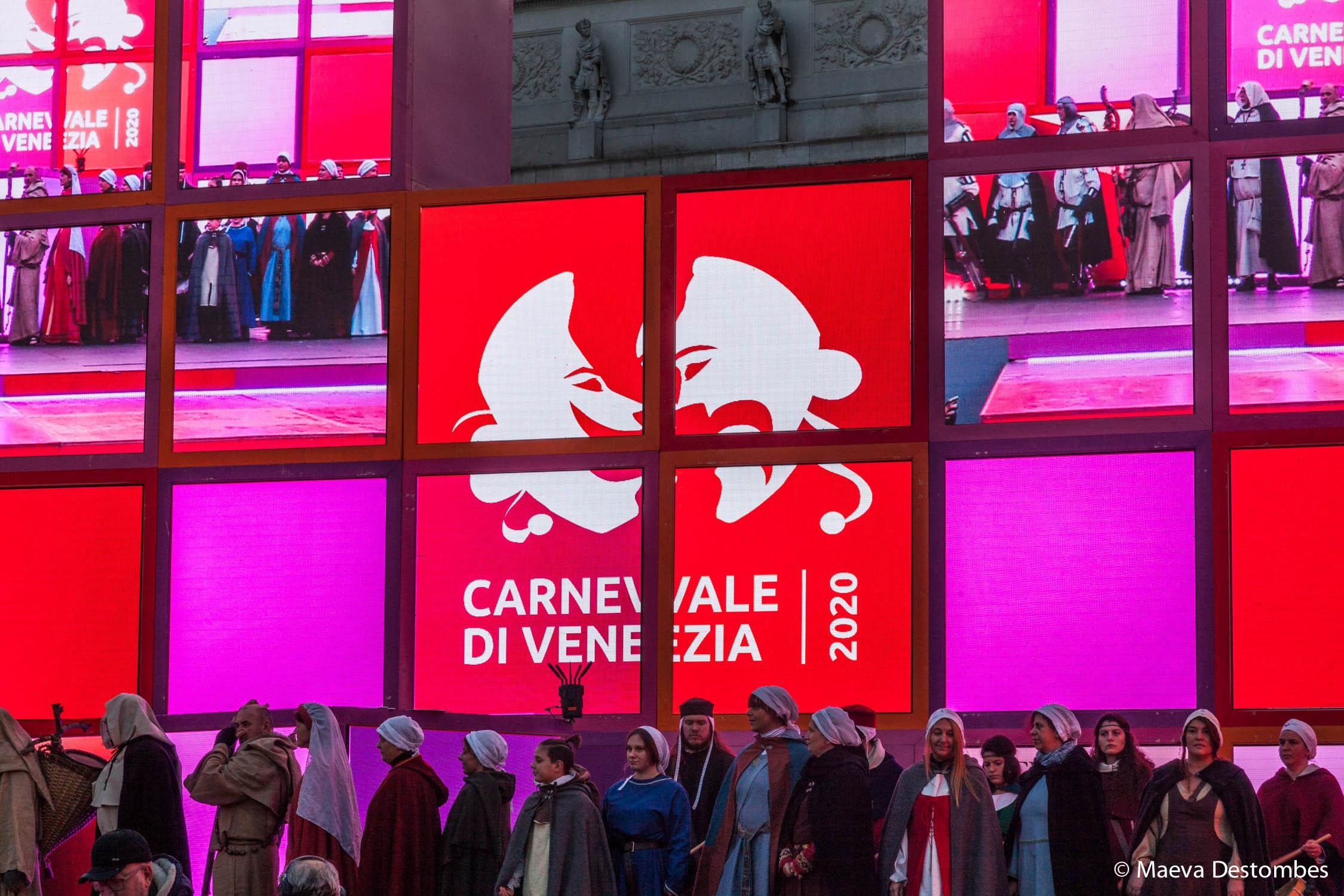 Le podium du carnaval de Venise 2020 sur la Place Saint-Marc
